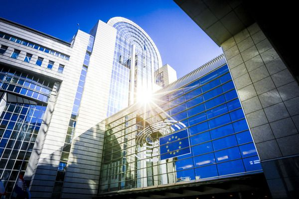 Преглед на европейските теми | Банкеръ