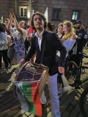 Йордан Камджалов: Не можем да сме публика в рушенето на България