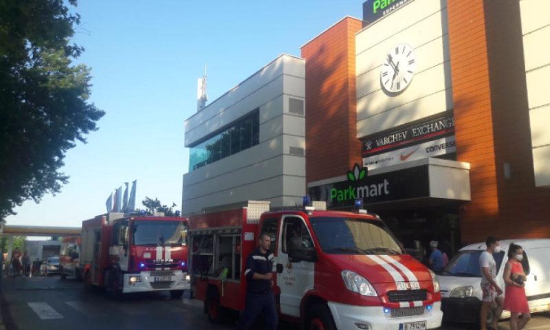 Пожар във фитнес в търговски център във Варна