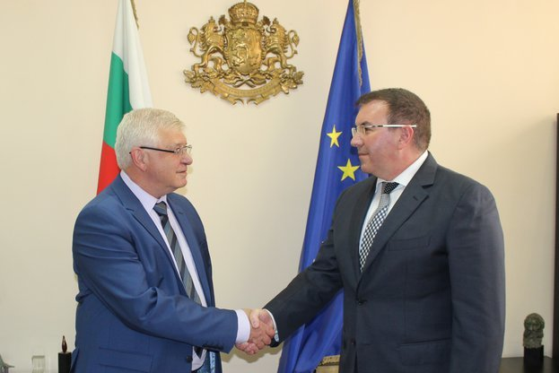 Приоритетите на новия здравен министър – COVID-19 и електронно здравеопазване | | Новини от България и Света